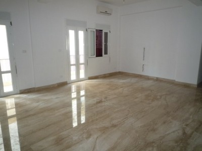 Appartement 170m to rent in tabaris achrafieh beirut for Chambre a coucher 9libia